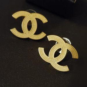 CHANEL Chain Patterned Earrings